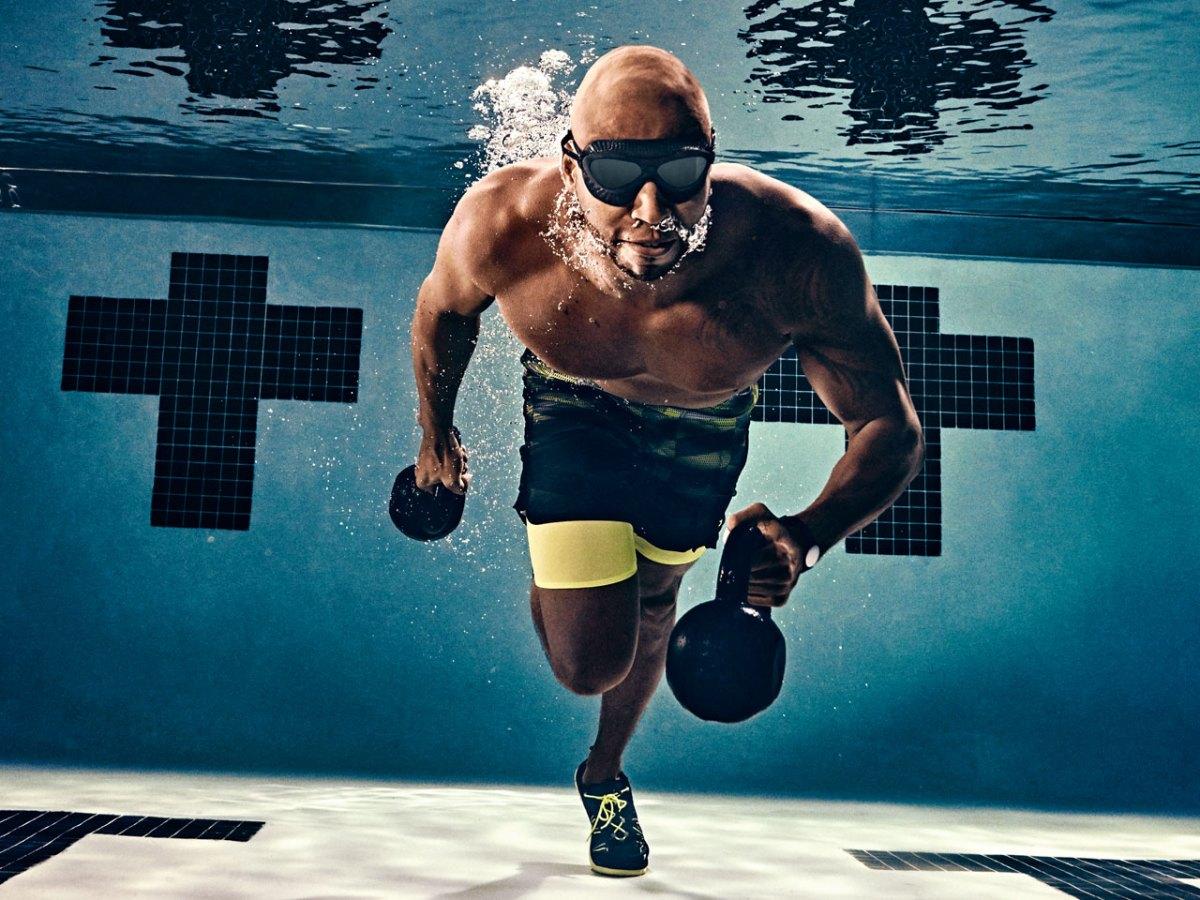 Тренируйся в бассейне в жаркие дни